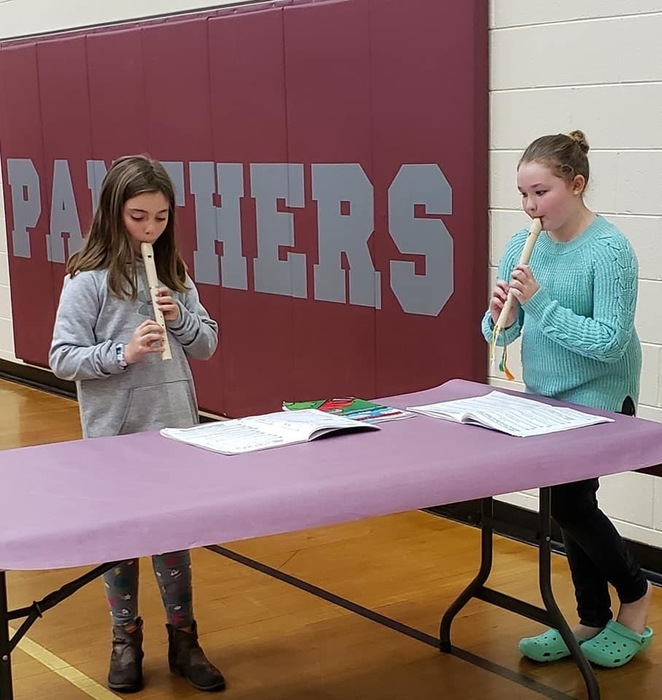 VES 4th Graders play their recorders